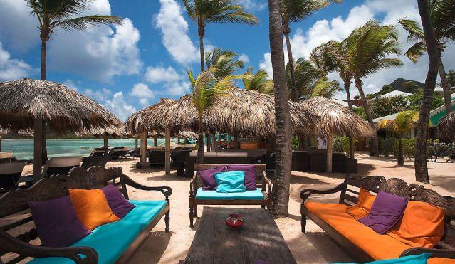 hotel-guanahani-beach-bar-_i9n3623-jpg