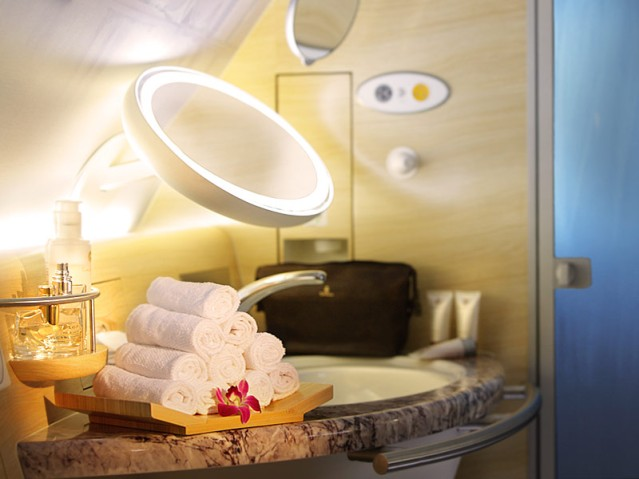 Shower Spa (photo by Emirates)
